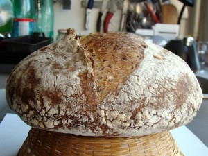 DSC09320 copy 300x225 Paine cu 4 graunte   Four Grain Levain