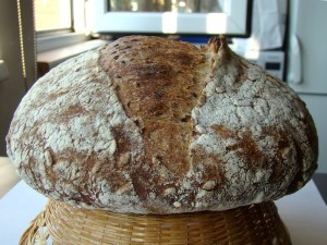 DSC09321 copy 300x225 Paine cu 4 graunte   Four Grain Levain