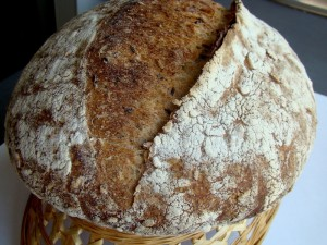 DSC09325 copy 300x225 Paine cu 4 graunte   Four Grain Levain