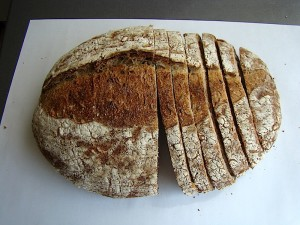 DSC09343 copy 300x225 Paine cu 4 graunte   Four Grain Levain