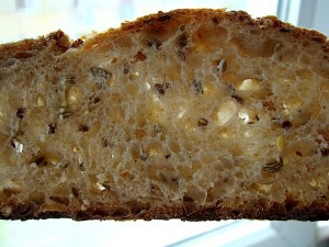 DSC09351 copy 300x225 Paine cu 4 graunte   Four Grain Levain