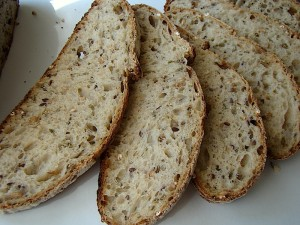 DSC09356 copy 300x225 Paine cu 4 graunte   Four Grain Levain