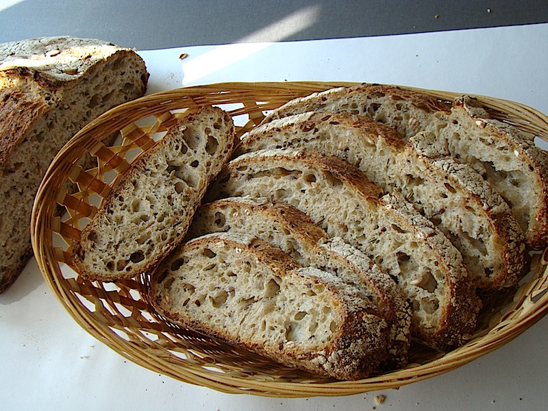 DSC09358 copy Paine cu 4 graunte   Four Grain Levain