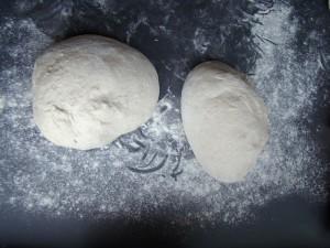 aluat pre forma 300x225 Painea cu gust de acasa   Simple Sourdough Bread
