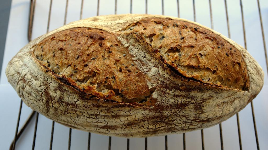 paine cu seminte 01 Paine cu seminte   Sourdough Seed Bread