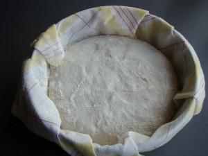 verificat dospirea 2 300x225 Painea cu gust de acasa   Simple Sourdough Bread