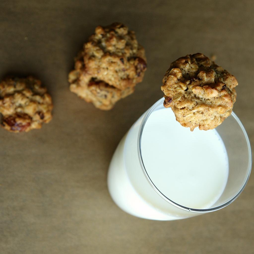 DSC00394 copy Fursecuri cu fulgi de ovaz si stafide   Oatmeal Raisin Cookies