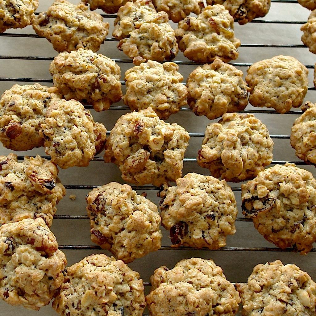 DSC00412 copy Fursecuri cu fulgi de ovaz si stafide   Oatmeal Raisin Cookies