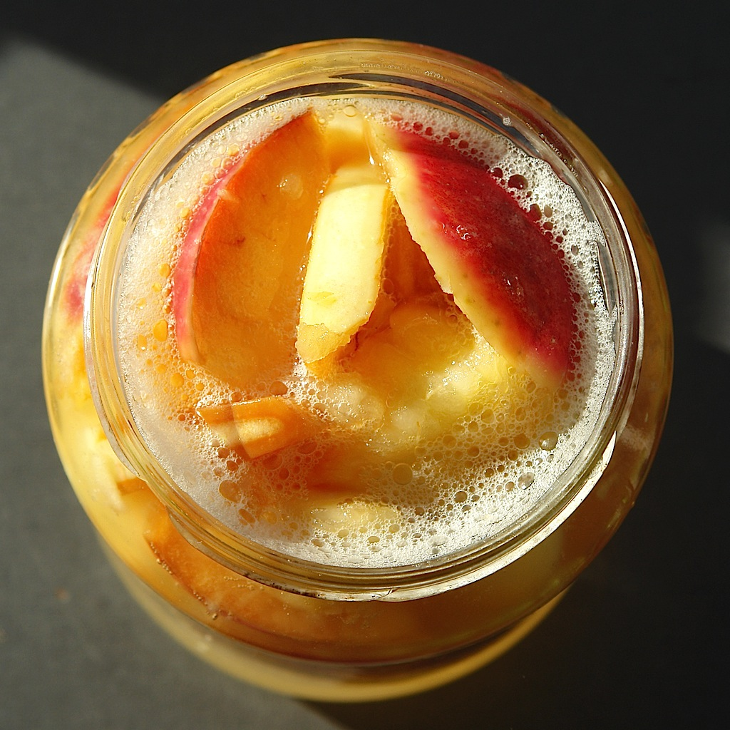 apple yeast water Mere, soare, povesti si o jucarie noua