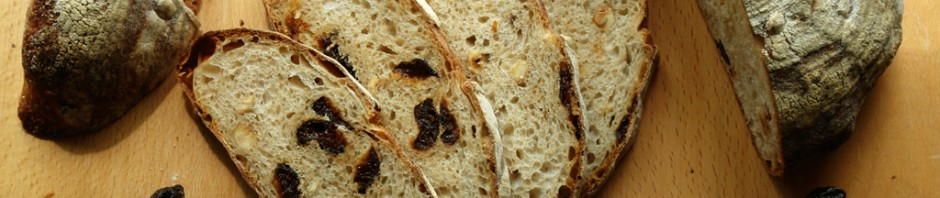 hazelnut and prune bread 05