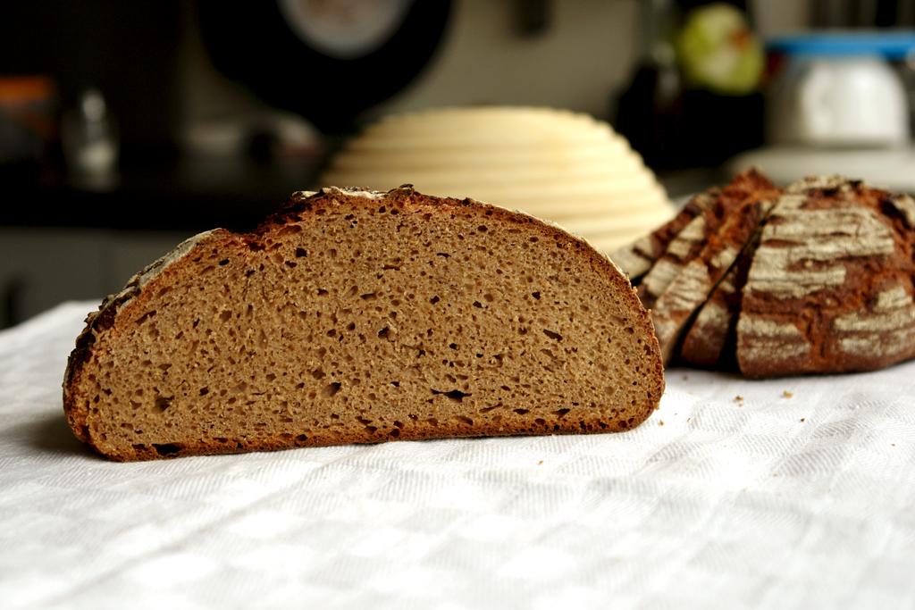 80 percent rye with rye soaker 04